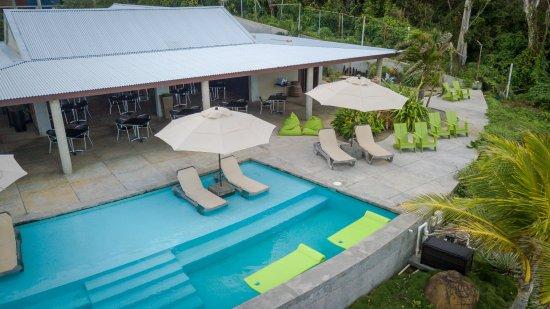 Marigot, Dominica: Pool lounge