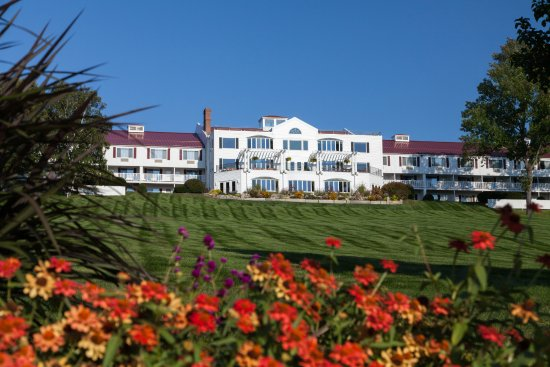 RED JACKET MOUNTAIN VIEW RESORT & WATER PARK $191 ...