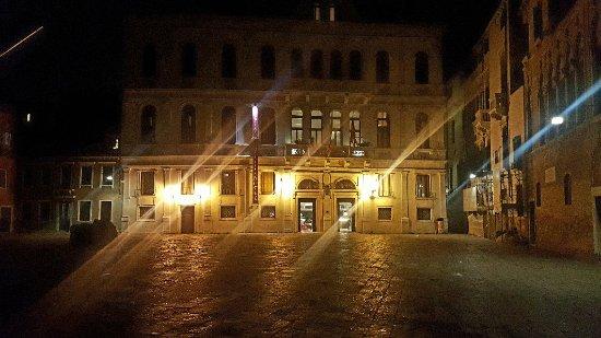 Ruzzini Palace Hotel: 20180206_231222_large.jpg