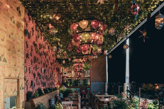 Restaurante Milagros Contenedores Medellín