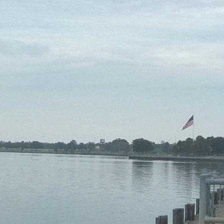 Nice park on the lake!!!