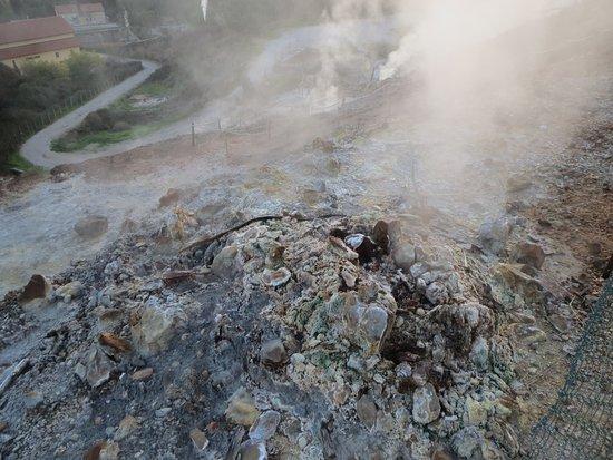 Monterotondo Marittimo, Италия: parco delle biancane- fumarola