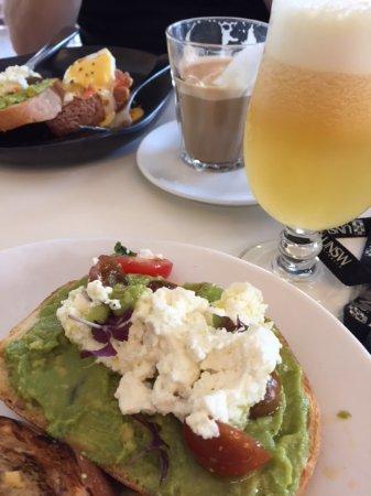 Haberfield, Australia: smoked salmon,eggs and hollandaise , juice and coffee