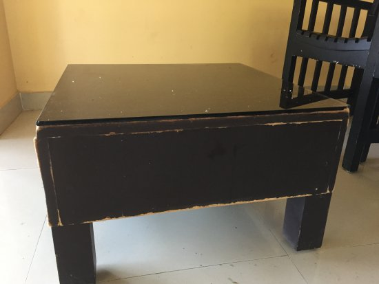 Vazhavatta, Indie: Quality of the furniture provided