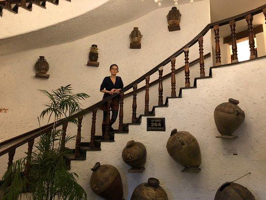 La Hacienda Miraflores: 中に入ったところ、ロビー2階