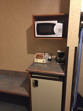Enterprise, OR: Microwave, Coffeepot & Mini Fridge