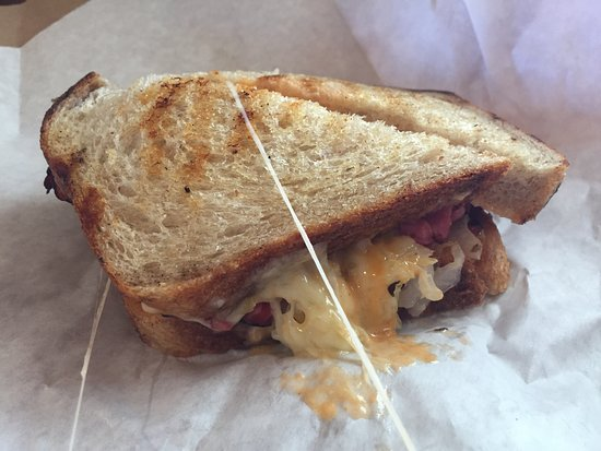 Eastsound, واشنطن: My pastrami sandwich was the best I've ever had.