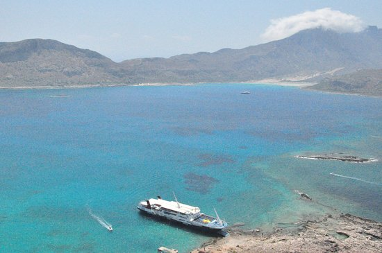 Gramvousa Fortress: кораблик, который нас доставил