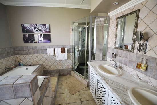 Room Four Bathroom with Hydro Jet Shower & Bath - Picture of 49 on ...