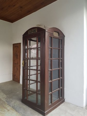 Saidu, Pakistan: Old telephone booth outside heritage suites block.