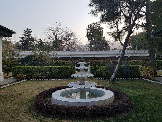Saidu, Pakistán: Behind the heritage suites block.