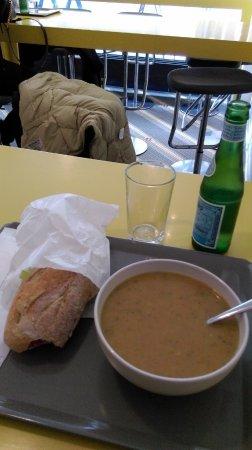 à La Soupe: soupe aux légumes