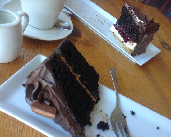 Saldanha, Afrique du Sud : Chocolate cake and cheese choc cake ...