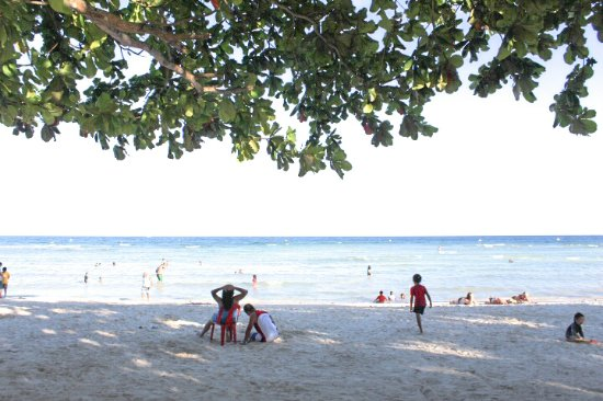 quinale beach with locals on christmas day in anda bohol