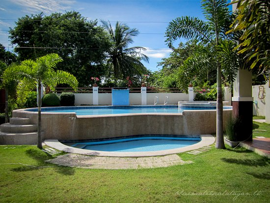 BLUE WATERS CALATAGAN BEACH HOUSE - Guest house Reviews