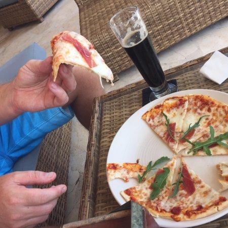 Cocoon Restaurant Bar Beach Club: photo1.jpg