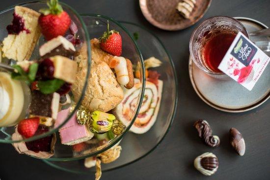 Buren, Hollanda: High tea Restaurant StrAnders Ameland