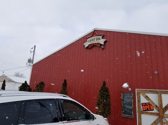 Paw Paw, MI: View from the outside