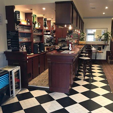 Restaurant Le Lurton  Place Jean Jaures  Chateau Renault
