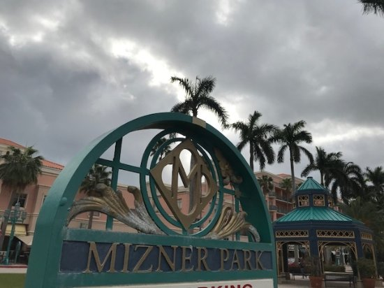 Mizner Park: sign near the gazebo