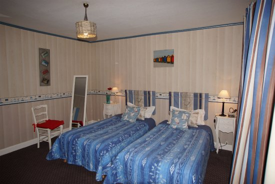Chambre twin, décor bord de mer, à Salbris, à l\'hotel La Sauldraie ...