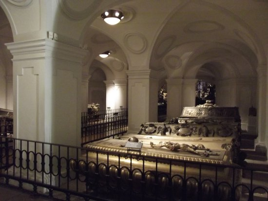 Kapuziner Crypt (Kapuzinergruft) : The first chamber of the crypt