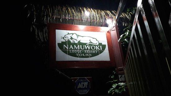 Namuwoki Lodge: Insegna dell'Hotel esterna