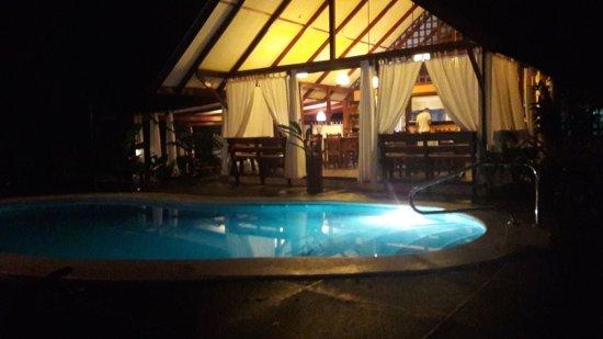 Namuwoki Lodge: Piscina e ristorante