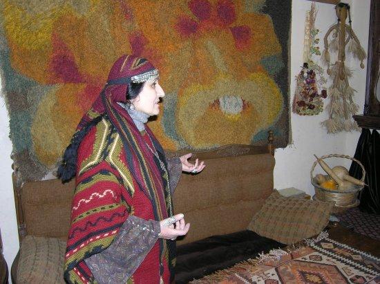 Ararat Province, Armenien: В гостях у армянской художницы Люсик Агулисецы