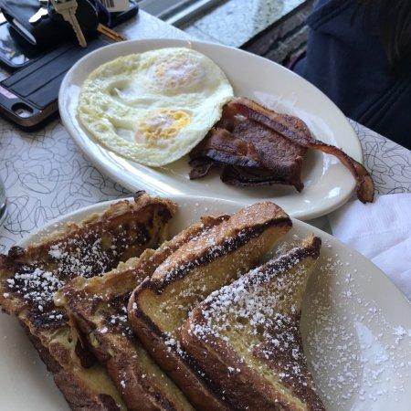 Howley S Restaurant Photo1 Jpg