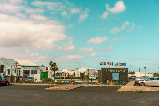 VIK Coral Beach: Entrance