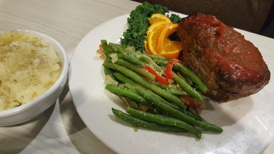 Meatloaf, green beans and mashed potatoes at The Wild Seed, Strafford, MO.