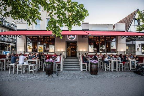 Hafenliebe warnemunde restaurant reviews phone number for Warnemunde strand hotel