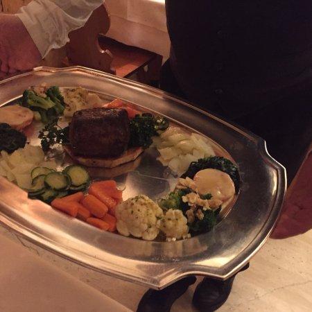 Tiefencastel, سويسرا: Wir fahren immer in unseren Ferien zum Essen hin. Preisleistungsverhältnis top, ekzellenter Fami