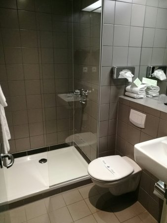 Ruisbroek, Belgien: Bathroom