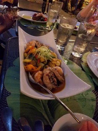 Patio Delray: A must dine! Was there with a large group.  Food was wonderful, as well as presentation and serv