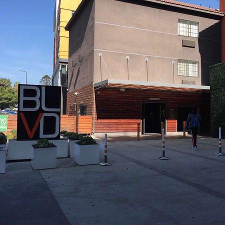 BLVD Hotel & Suites: photo1.jpg