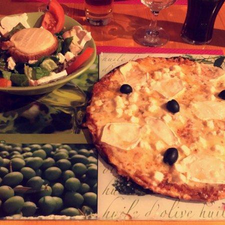 Argeliers, France: Super rapport qualité/prix !  Excellente pizza, pâte fine & légère.  Personnel très accueillant.