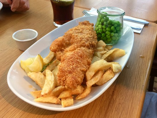 Nottinghamshire, UK: Haddock, chips and peas