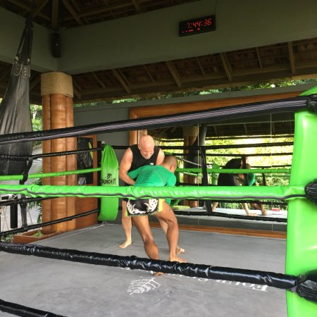 Gulf of Thailand & Muay Thai Kick Boxing with Coach An Dee