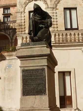 Monumento a Fanfulla da Lodi