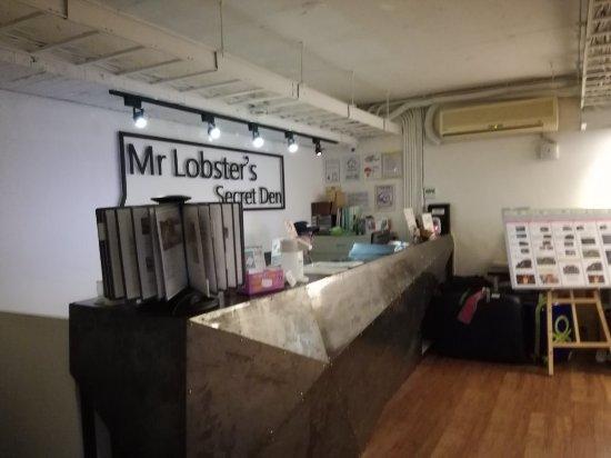 Getlstd property photo picture of mr lobster 39 s secret for Design ximen hotel review