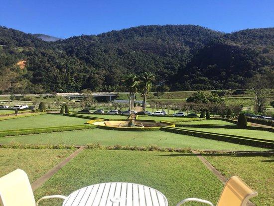 Hotel Vale Real Itaipava: Vista da área campal