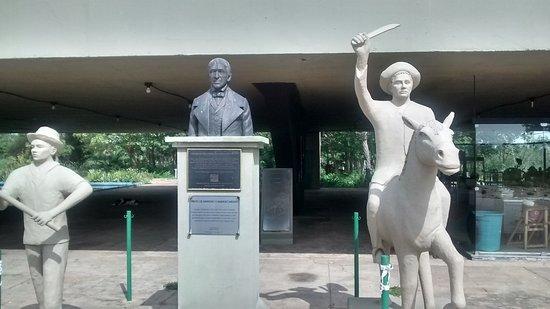Campo Maior, PI: Monumento aos heróis da Batalha do Jenipapo: Leonardo Castelo Branco ,vaqueiro e roceiro