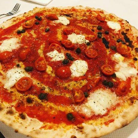 Piadena, Italy: Una delle tante che ho mangiato in questo posto. Pizza favolosa