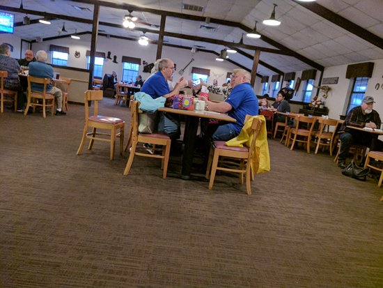 Auburn, AL: One dining area.
