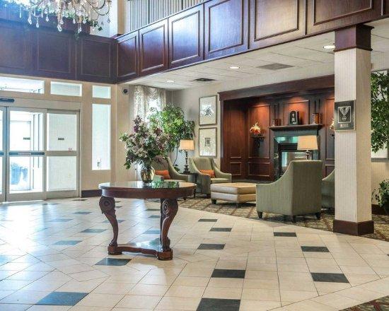 Saint Johnsbury, VT: Lobby
