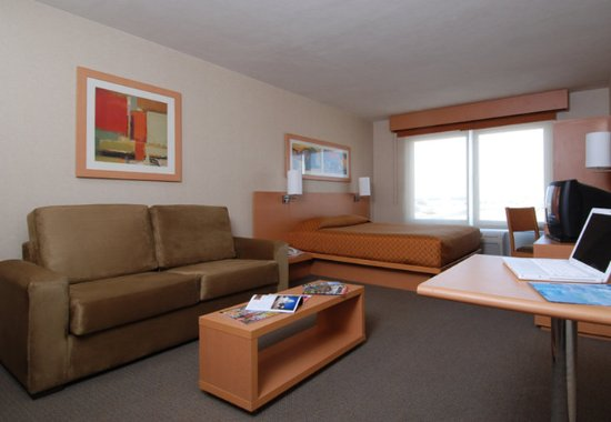 City Express Monterrey Santa Catarina: Guest room