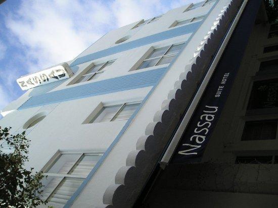 Nassau Suite Hotel: Exterior