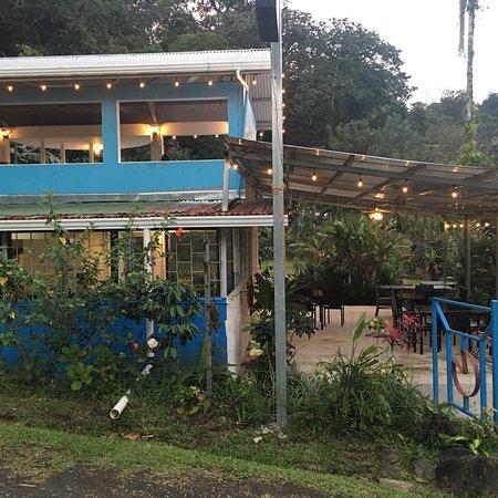 Pizza john 39 s jardin escondido el castillo omd men om for El jardin escondido